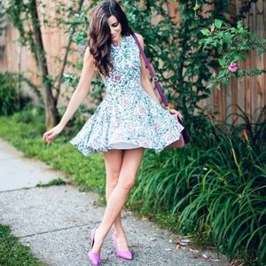 H&M Floral Zipper Back Dress sz Small